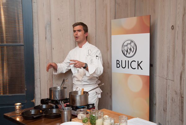 Hugh Acheson cooking demo at Empire State South